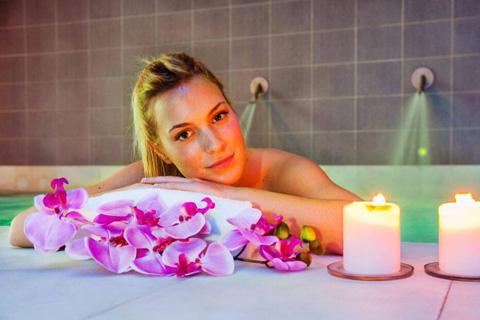 Bañera con Agua Sulfurosa