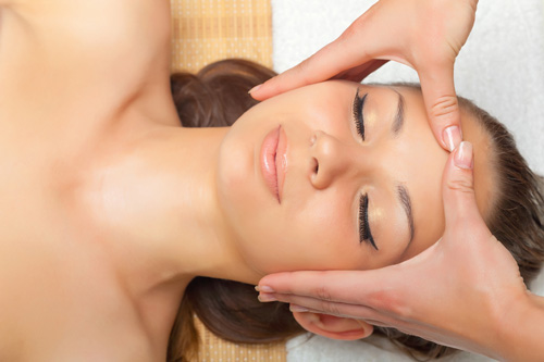 Intensive Healing Facial